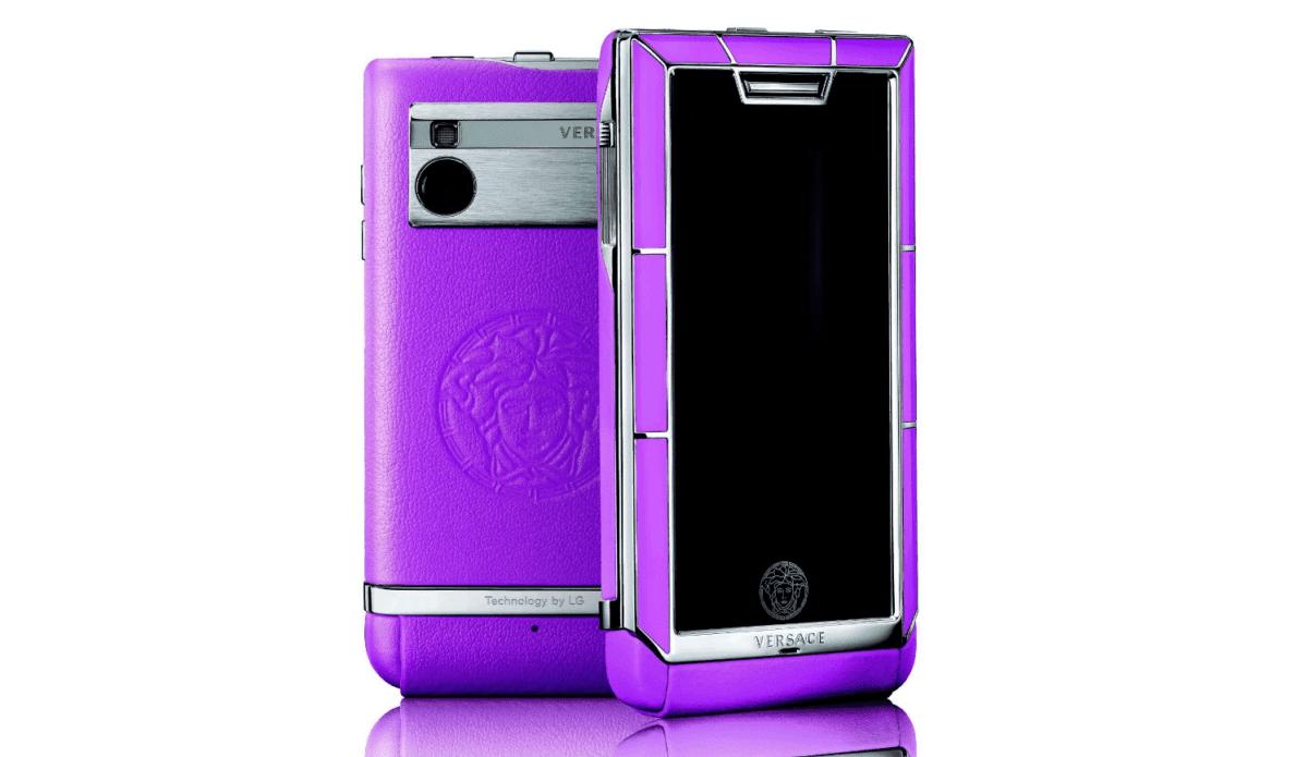 Рис. 13. Версаче Юник – один из самых дорогих смартфонов от известных модельеров.